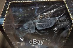 NECA Aliens Box Set Ultra Alien Queen Rare 1st Release 15 x 30 Long Xenomorph