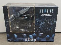 NECA Aliens Xenomorph Queen Deluxe Action Figure