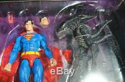 NECA DC Batman Vs Predator & Superman Vs Alien 2-PACK Figure from SDCC 2019