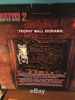 NECA PREDATOR 2 Trophy Wall Diorama REEL TOYS w Dinosaur Skull