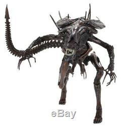 NECA Xenomorph Alien Resurrection Queen Brown 15 Deluxe Action Figure Aliens
