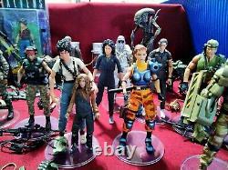Neca Aliens Hugealien Action Figure Lot 21 Figures + Many Accessories Used