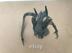 Neca Aliens Vs Predator Requiem Hybrid Predalien Action Figure Closed Mouth