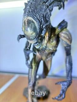 Neca Aliens Vs Predator Requiem Hybrid Predalien + Predator Battle Damaged