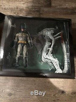Neca Batman Vs Aliens 2 pack NYCC 2019 Exclusive! Never Opened