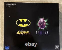 Neca DC Batman VS Aliens NYCC 2019 Exclusive Action Figure Set Brand New Sealed