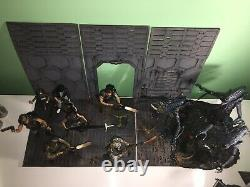 Neca The Ultimate Aliens Display/Collection Figures And Diorama