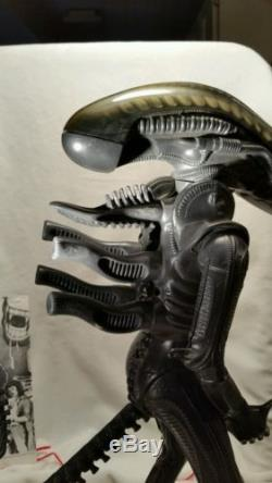 Original 1979 Kenner 18 Alien Action Figure, Poster, All Parts work CLEAN