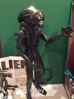 Original 1979 Kenner 18 Alien Action Figure withBox, Poster, All Parts work CLEAN