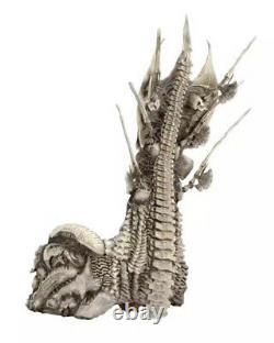 Predator Clan Leader Alien Bone Throne Action Figures PVC Diorama Element Model