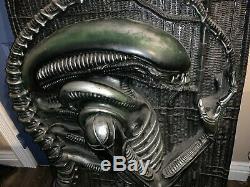 RARE Illusive Concepts Originals Alien Full Size Wall Sculpture #711/9500