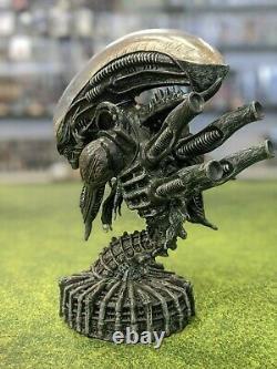 Rare Alien Xenomorph Big Chap Bust Error-sample On Predator Base