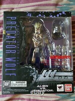S. H. MonsterArts Alien Vs PREDATOR WOLF HEAVY ARMED Ver(Very Rare)