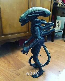 Vintage 1979 Kenner Alien 18 Figure Doll Complete Rare