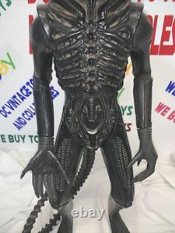 Vintage ALIEN kenner 1979 with SPIKE & TAIL No Teeth/Dome
