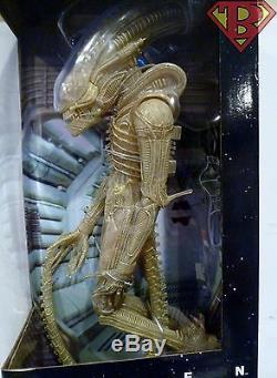 XENOMORPH (TRANSLUCENT PROTOTYPE SUIT) Aliens 1/4 Scale 22 Figure Neca 2016